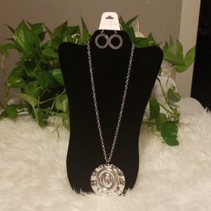 Lady's fashion Necklace with Earrings